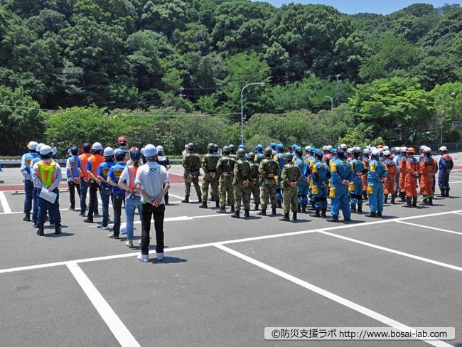 土砂災害を想定した神戸市総合防災訓練が終了、神戸市危機管理室・理事より訓練の講評。